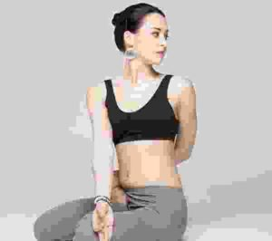 girl-yoga-pose2